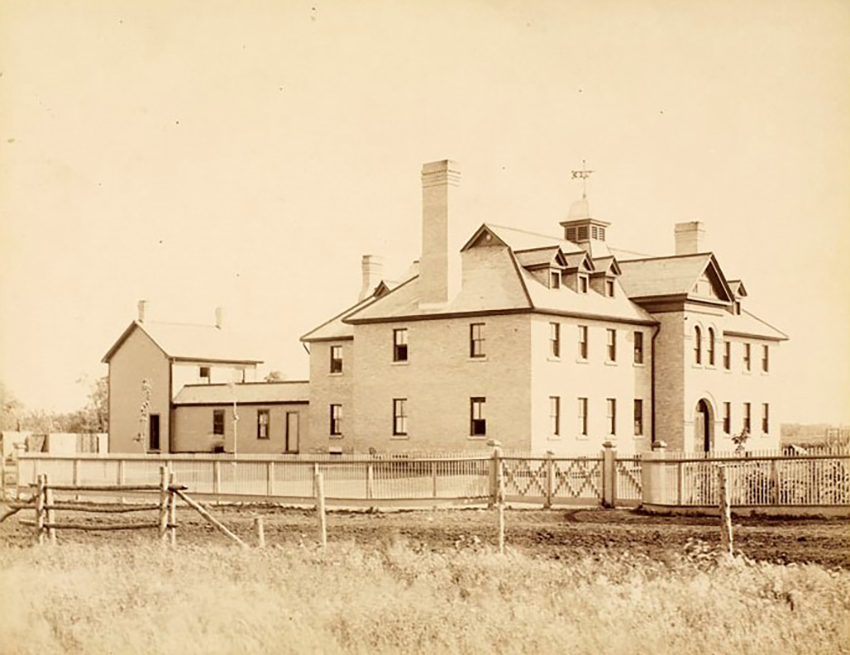 Architectural view of St. Paul's (Rupert's Land) Indian Industrial School ca. 1890. Source: Library and Archives Canada, David Ewens Collection, e006610115.